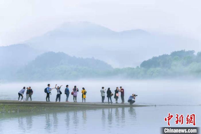 """浙江丽水迎来""""高光时刻"""":摄影经济照亮文旅融合路"""
