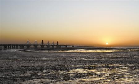 【守护母亲河 建设幸福河——推动黄河流域生态保护和高质量发展全媒体八省区采访报道】乌海的美丽新生