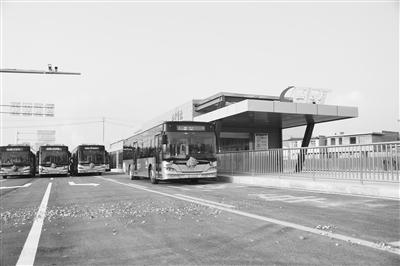 无极4娱乐官网下载地址BRT2路公交车11月26日正式开通(图)