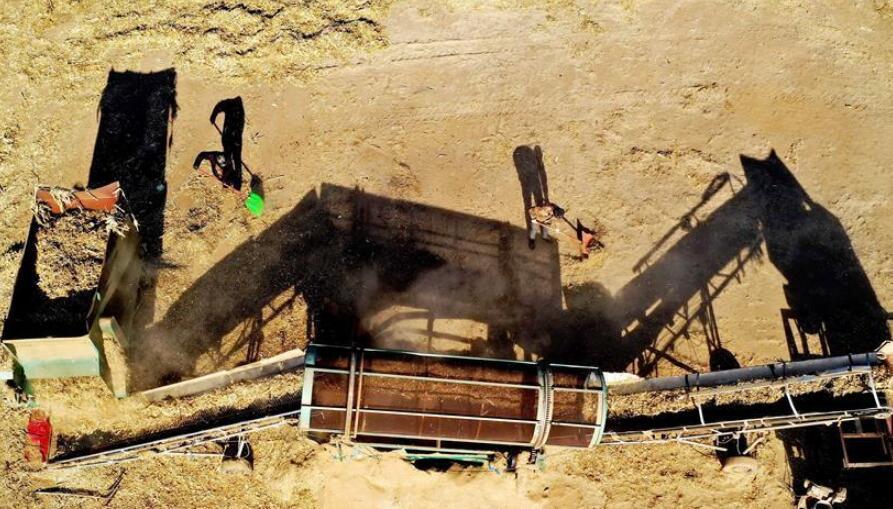 河北滦州:秸秆回收变废为宝