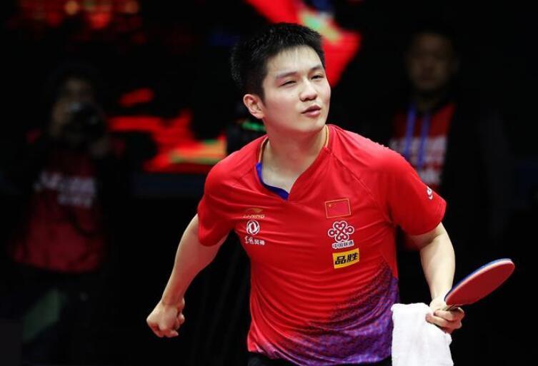 乒乓球——国际乒联男子世界杯:樊振东夺冠