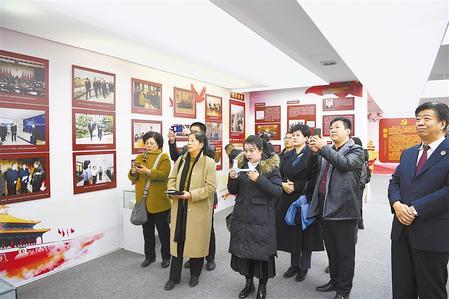 甘肃省检察院举行检察开放日活动(图)