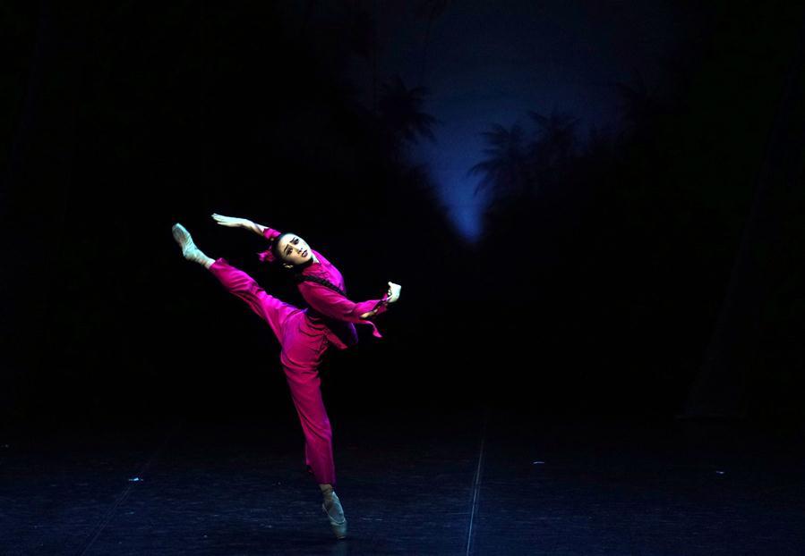 (文化)(4)经典芭蕾舞剧《红色娘子军》在京上演