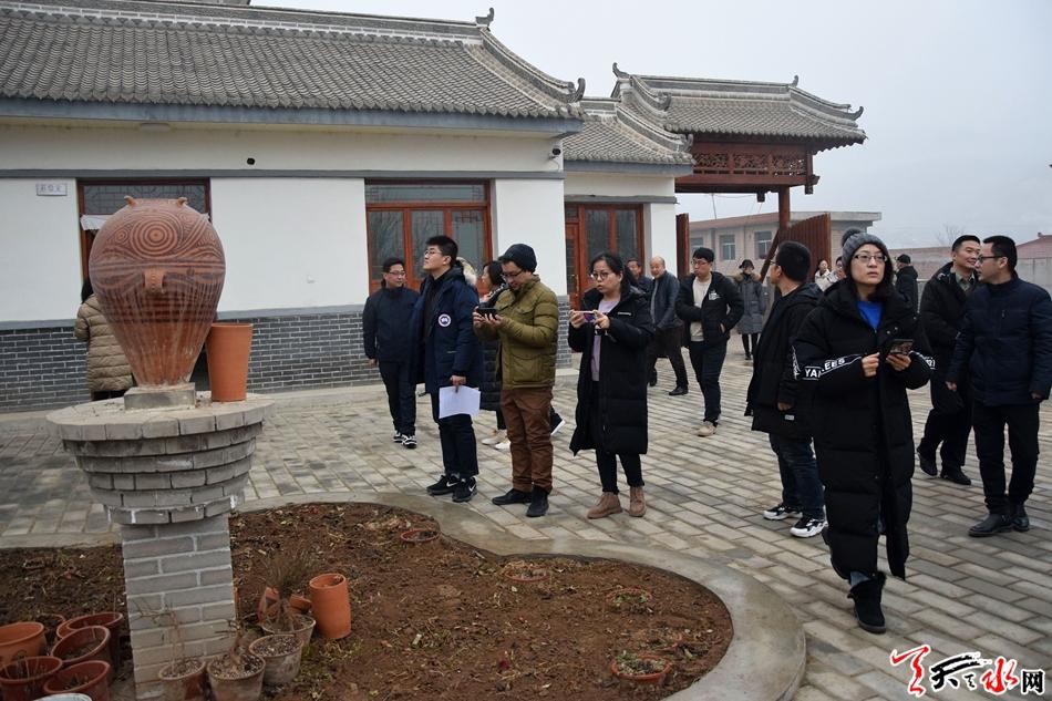 天津-甘肃采访团来天水采访东西部扶贫协作
