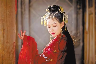 """图说甘肃丨回眸间 跨越千年的""""对话"""""""