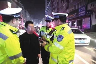 兰州公安交警开展全市集中酒驾夜查统一行动