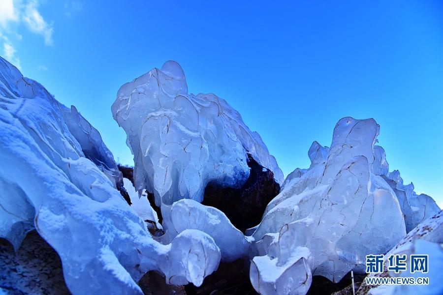 被美哭!祁连山下冰河如梦似幻