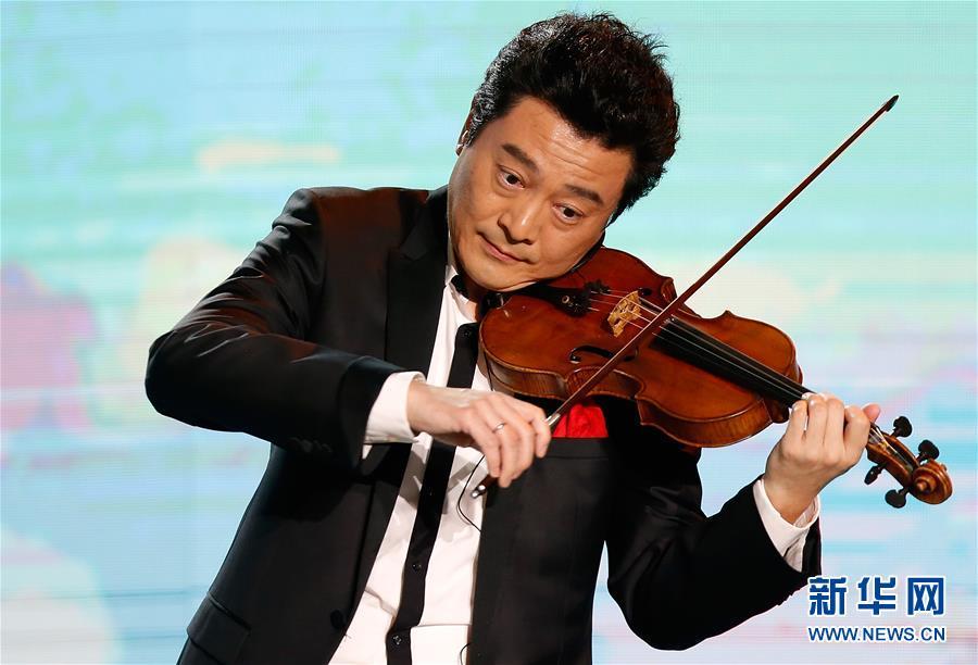 """(文化)(6)""""百花迎春——中国文学艺术界联合会2020春节大联欢""""在京举行"""