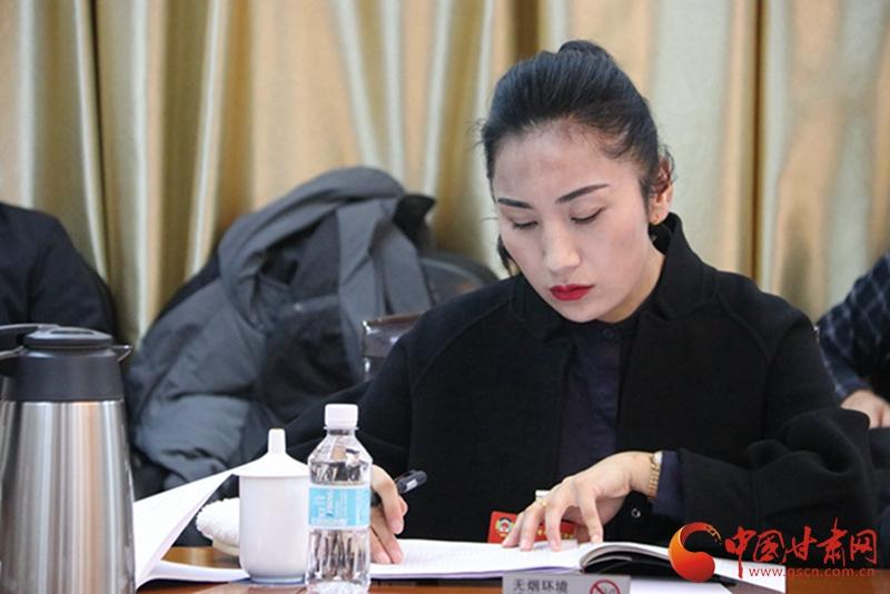【聚焦2020甘肃两会】政协委员杨海燕:呼吁全社会关注裕固族非遗文化传承保护