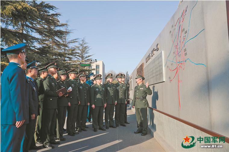 """国防大学的""""百米战墙""""成为战例教学开放长廊"""