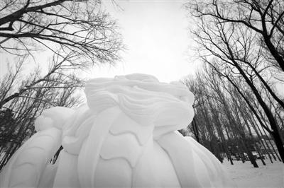 全国大学生雪雕比赛哈尔滨落幕