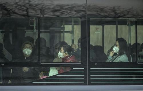 1月28日零时起,兰州市民须戴口罩乘坐公交车(图)