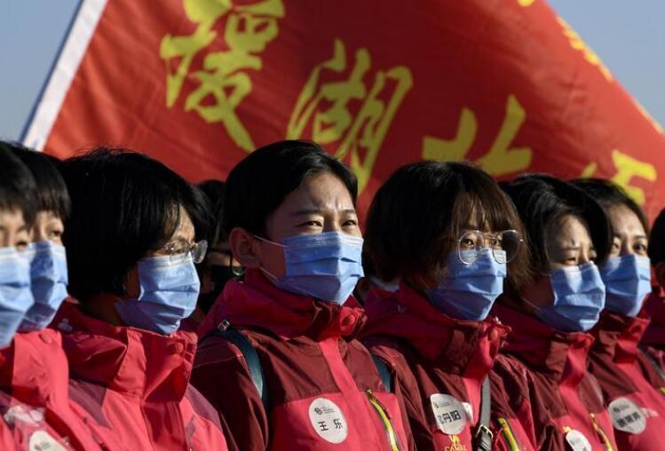宁夏第四批援助湖北医疗队100名医护人员出征