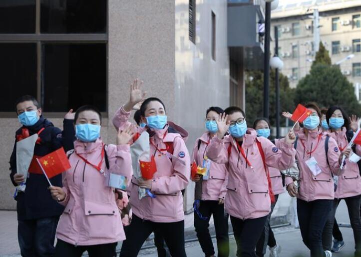 甘肃支援湖北医疗队第三批返回人员抵达兰州