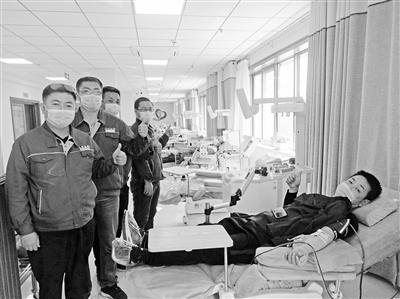 老人手术急需血小板 兰州奔马雷锋车队出手相助