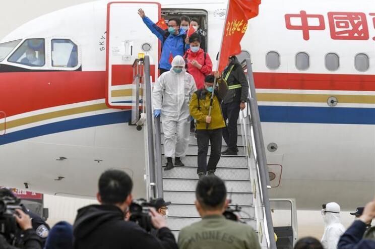 宁夏支援湖北医疗队323名医护人员抵达银川