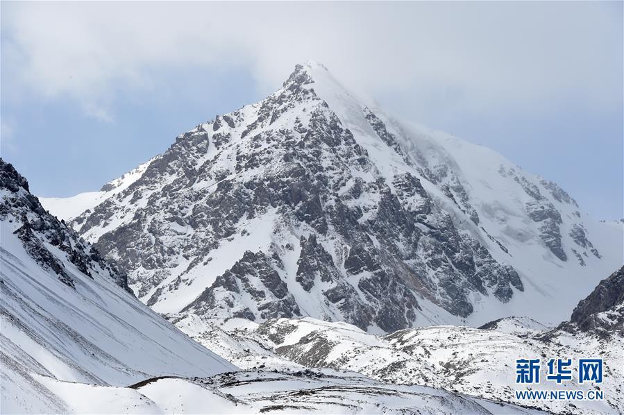 (美丽中国)(1)春日巴尔斯雪山