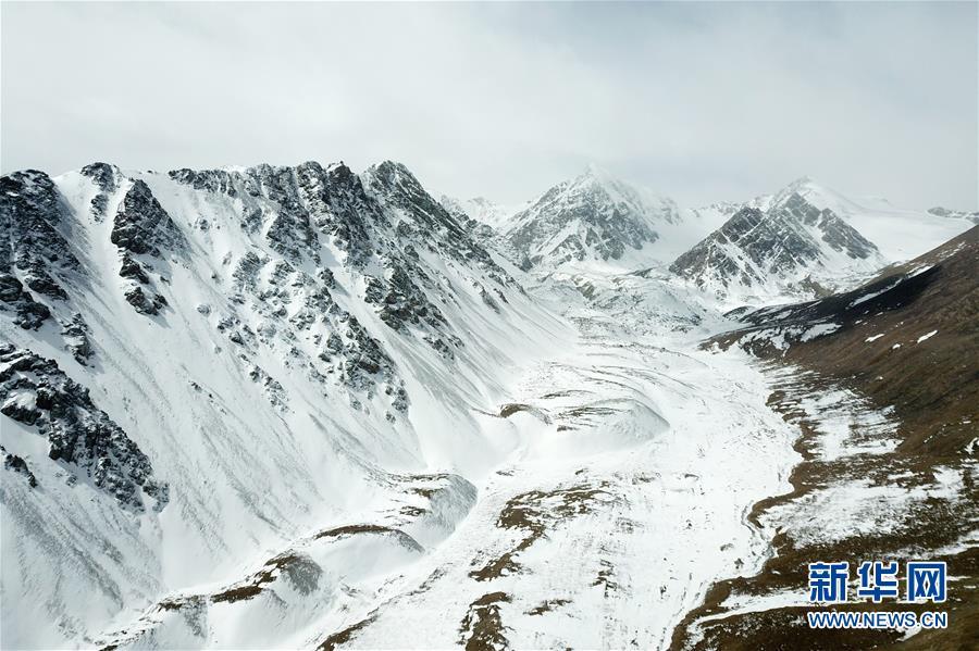(美丽中国)(7)春日巴尔斯雪山