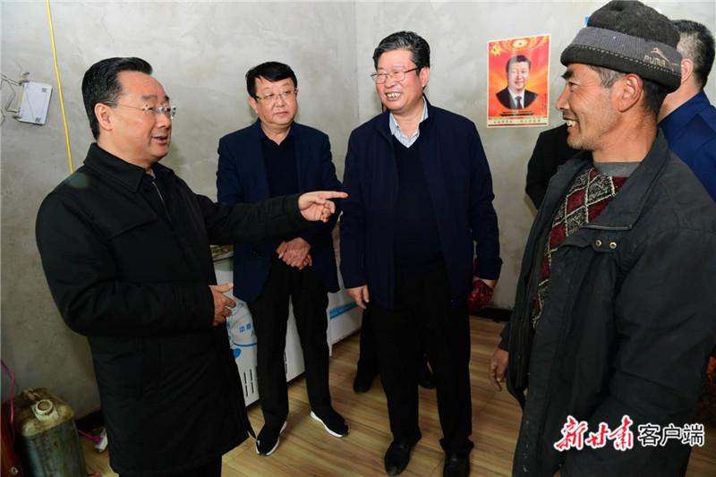唐仁健在岷县调研脱贫攻坚等工作