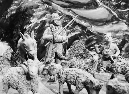 巨幅泥塑群雕《布楞沟的春天》赏析