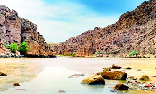 红山峡谷吸引旅游爱好者前往探险寻(图)