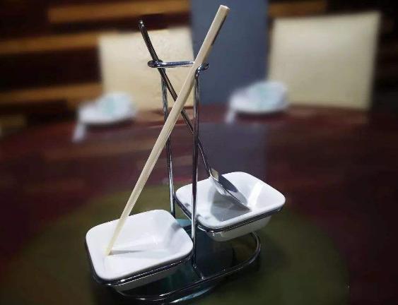 甘肃:使用公筷公勺酒店食客都说好