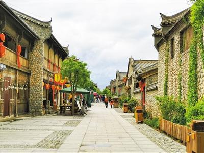 张掖丹霞口小镇:央视扶贫大剧取景地