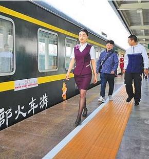 """敦煌至陇南""""环西部火车游""""专列明日开行"""