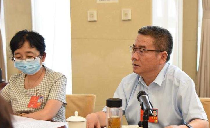"""【两会连线】康军代表:集中精力抓好""""六稳""""""""六保"""""""