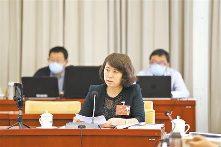【两会连线】杨艳代表:把论文写在祖国大地上