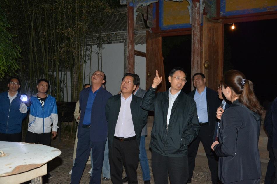 全省文旅产业项目建设推介会参会代表观摩天水南郭寺大景区项目