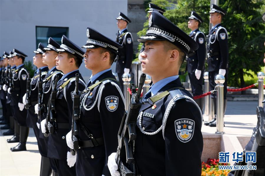 (法治)(2)青岛:海岸警察支队揭牌成立
