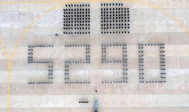 5290小时!中国空军歼击机飞行纪录保持者光荣停飞
