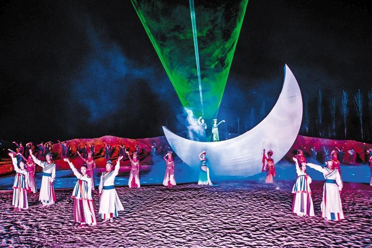 大型沙漠实景演出《敦煌盛典》6月18日恢复演出