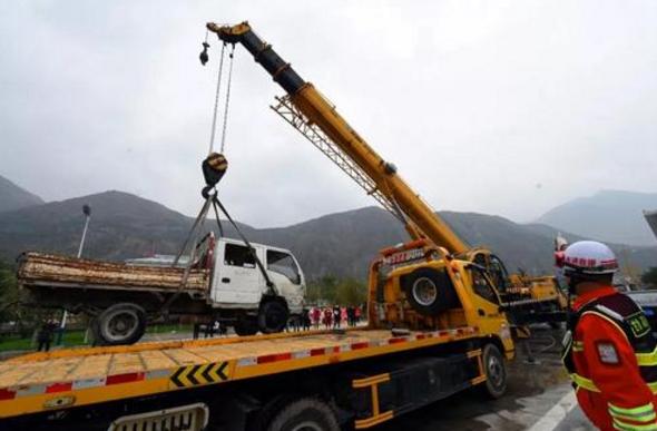 甘肃省明确高速公路清障救援服务收费标准