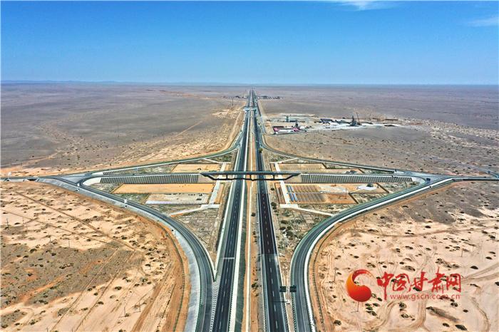 甘肃:戈壁荒漠建成暴露实验场 让时间发现一条路的密码