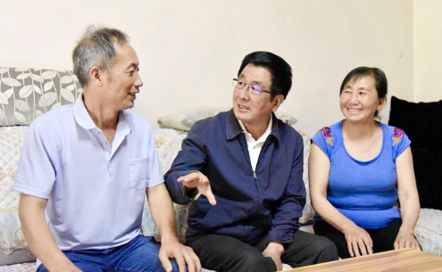 林铎在陇南调研农村人居环境整治和美丽乡村建设工作