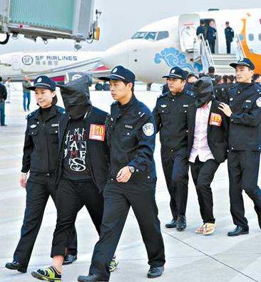 """兰州警方破获""""7·20""""特大跨省电信网络诈骗案抓获犯罪嫌疑人54名"""