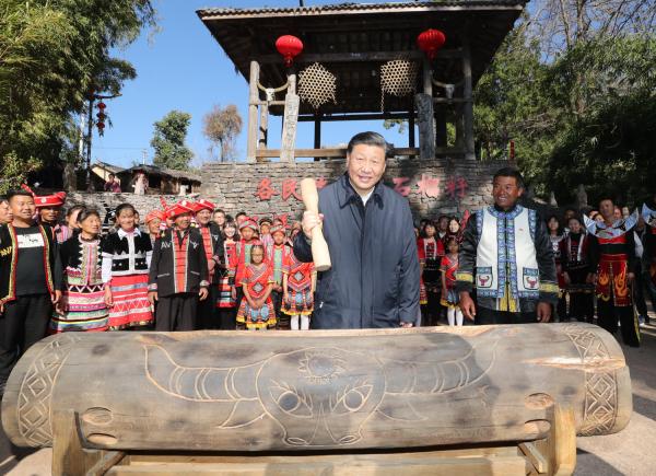 【你笑起来真好看】总书记来了,司莫拉佤族村的乡亲们更加幸福了