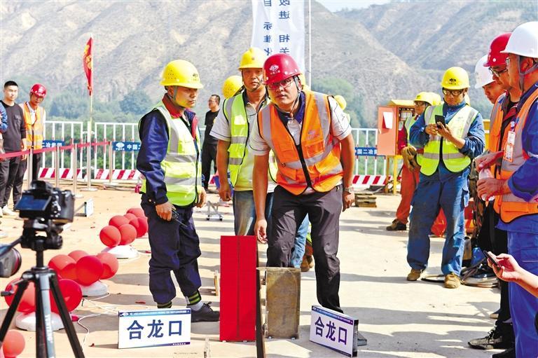 """柴家峡黄河大桥为何要建成""""S""""形?"""