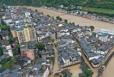 甘肃文县内涝严重 抢险救灾持续推进