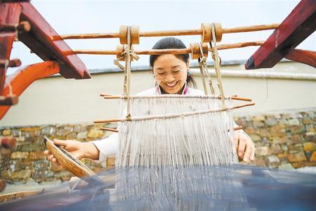 """""""卓玛""""话脱贫——甘南州妇女谈变化吐心声"""