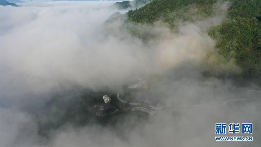 #(美丽中国)(5)湖北利川:云海似画卷