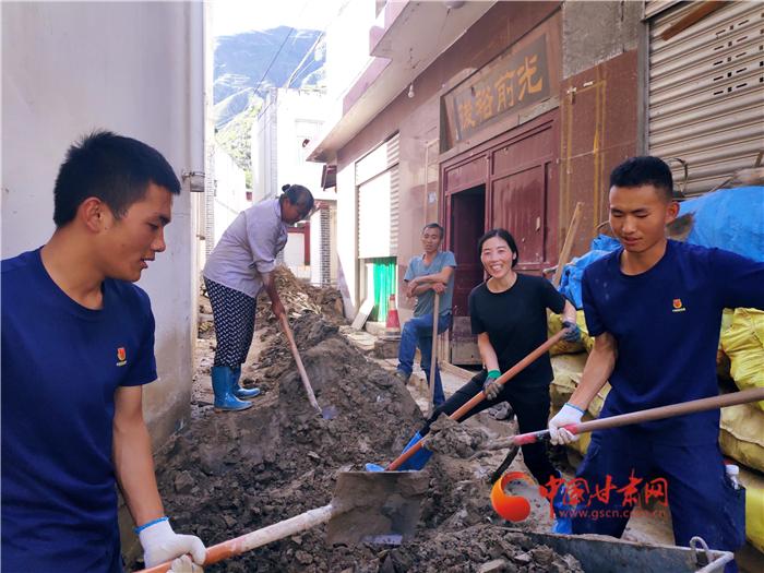 陇南文县:向险而行 他们守护灾区生命通道