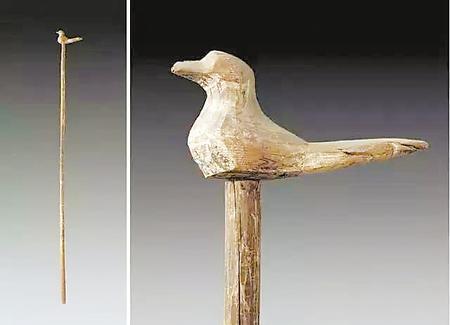 """汉代的""""养老令""""和""""敬老卡""""——武威《王杖简》和鸠杖"""