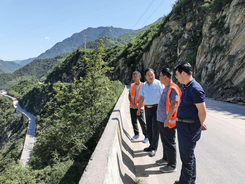 G212 线文县至金口坝路段抢险保通
