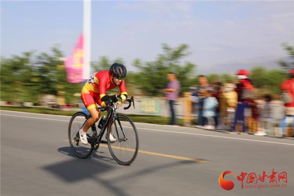 甘肃省青少年山地·公路自行车锦标赛在山丹县开赛
