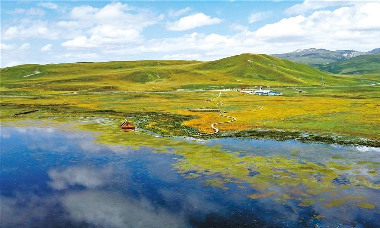甘肃旅游丨秋日尕海湖 青山绿水美如画