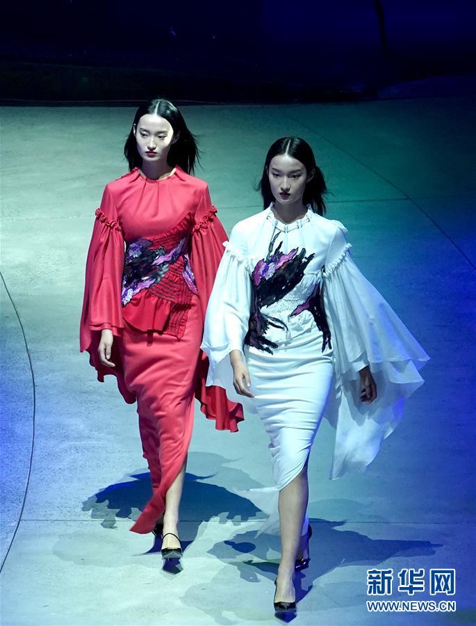 (文化)(3)北京时装周开幕秀
