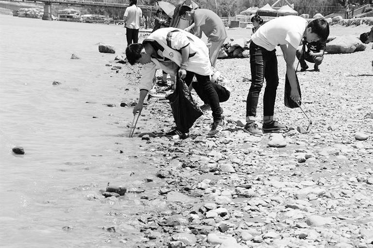 保护母亲河,我们一直在路上……